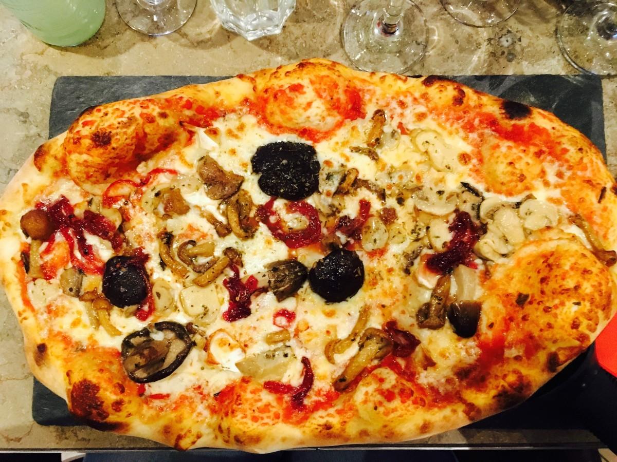 Harrogate Mama, Harrogate Mum, Caffe Marcon, large pizza
